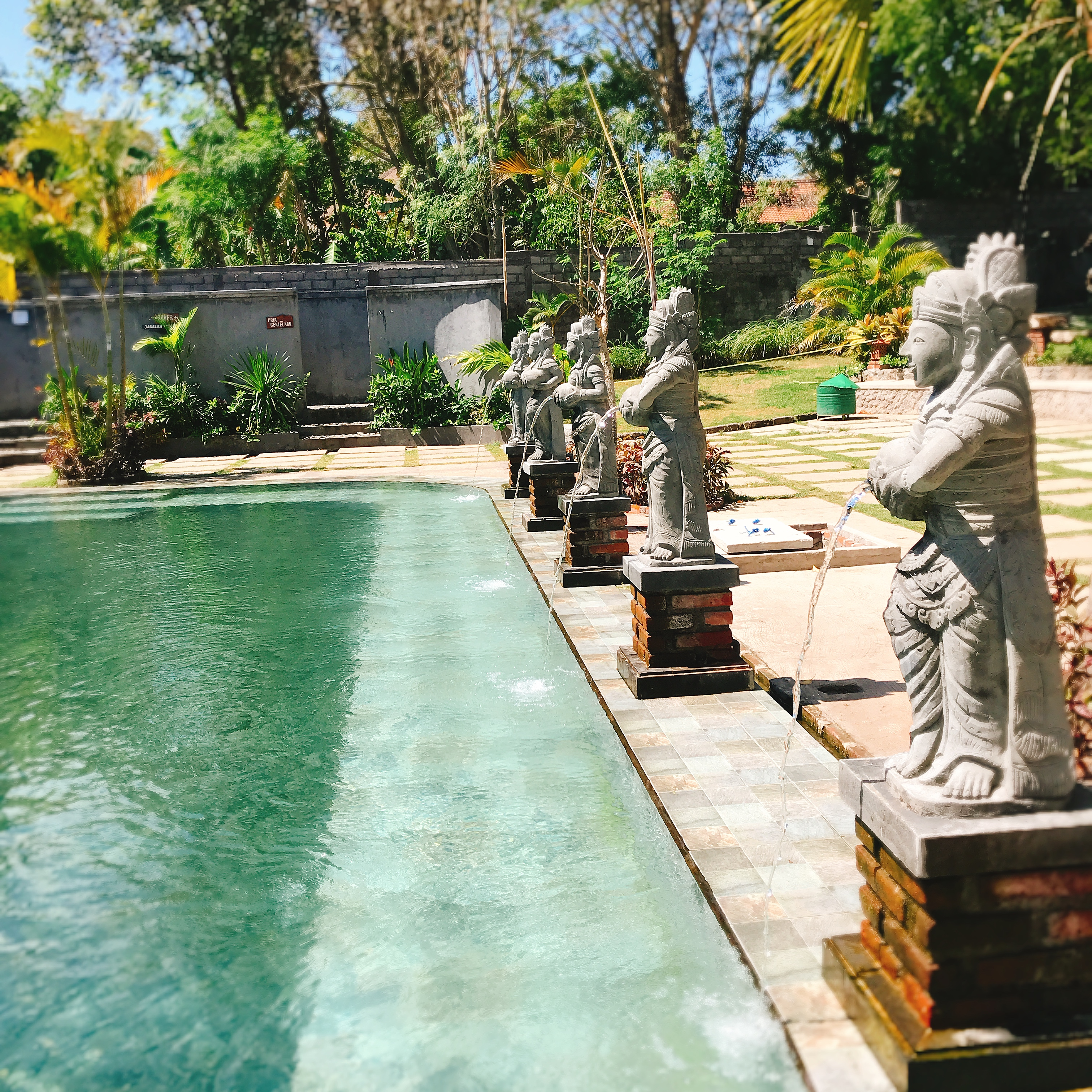 Banyuwedang Hotspring【バニュウェダン温泉】West Bali