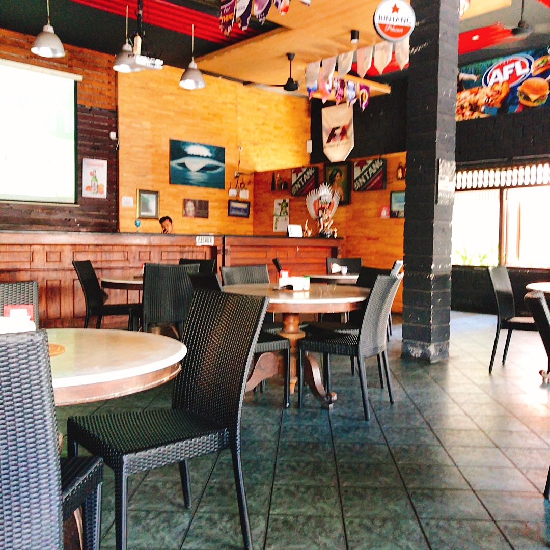 Swell Bar & Restaurant【スウェル バー&レストラン】